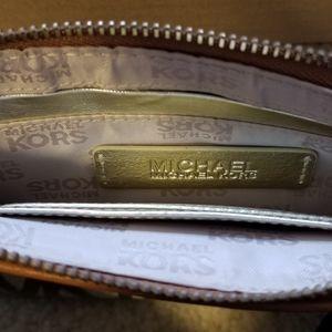 Michael Kors Bags - BNWOT Michael Kors Wristlet